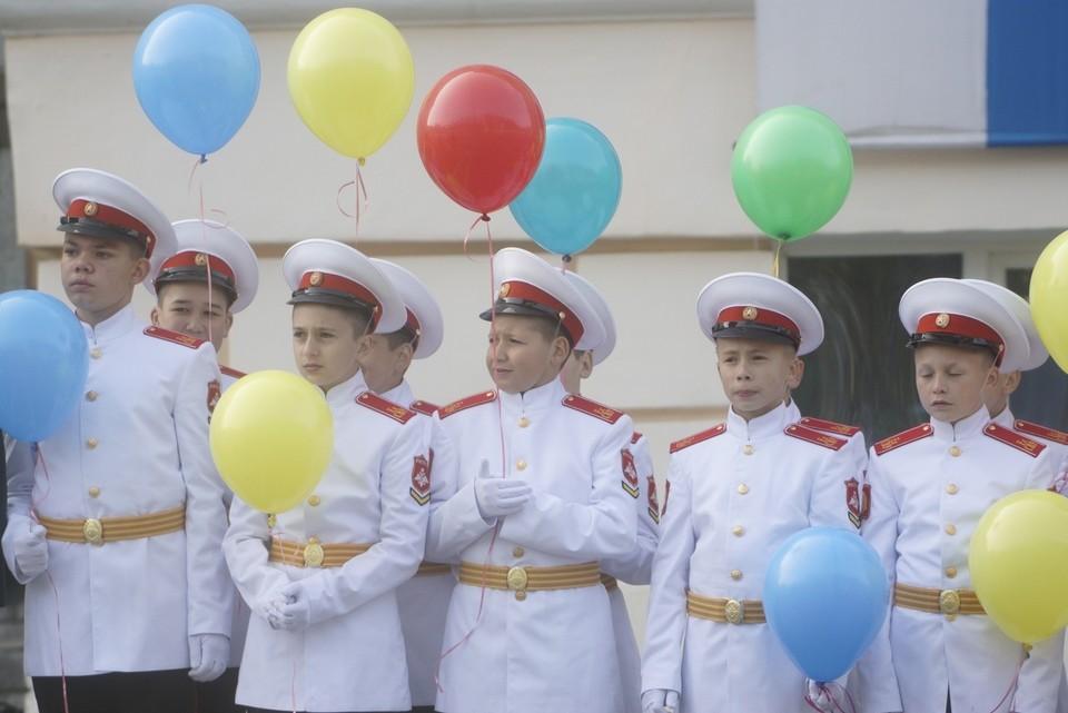 Екатеринбургское суворовское училище уже 75 лет воспитывает настоящих мужчин, героев.
