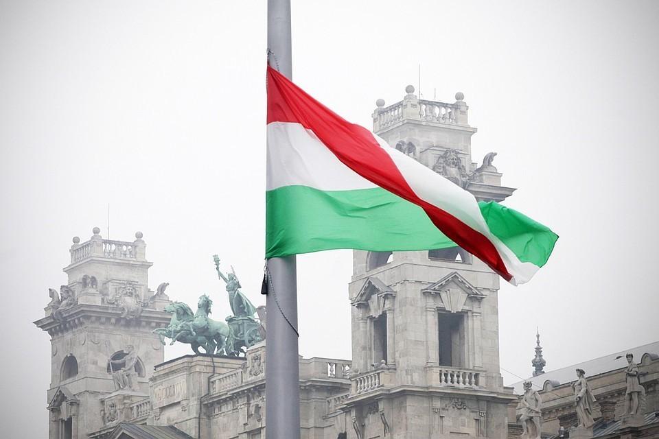 Европарламент поддержал резолюцию об угрозе нарушения Венгрией основополагающих принципов ЕС