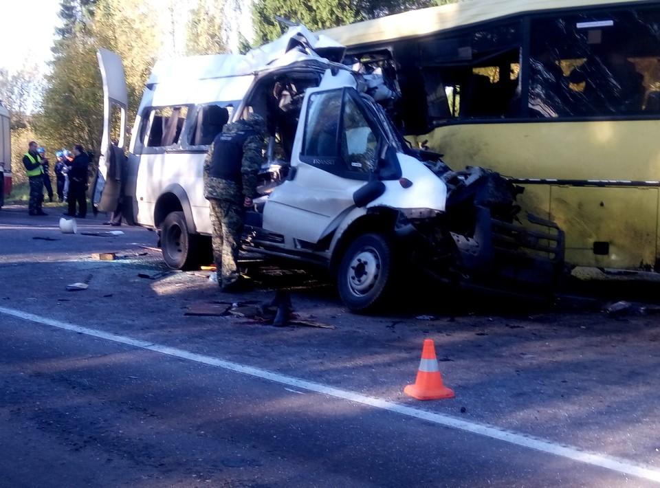 В страшной аварии погибло 13 человек