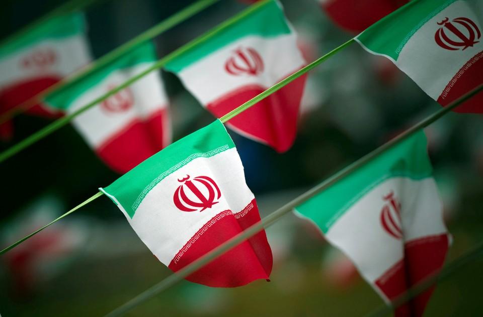 В Иране боевики похитили 14 иранских силовиков.