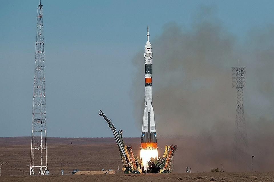 11 октября ракета-носитель «Союз-ФГ» с пилотируемым кораблем «Союз МС-10» стартовала с космодрома Байконур