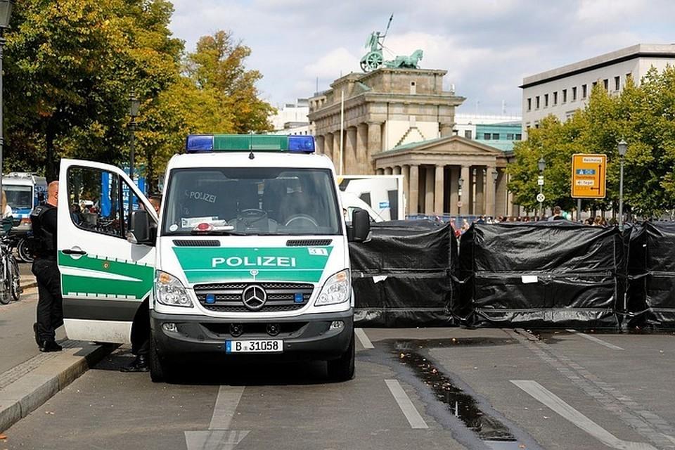 В Германии вооруженный ножом напал на прохожих