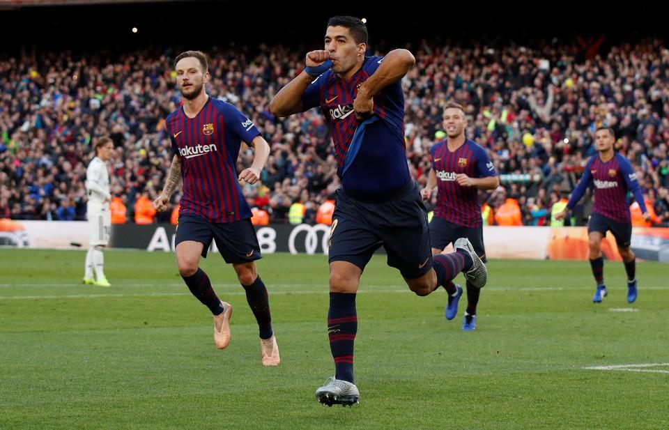 Луис Суарес забил гол с пенальти в Класико.
