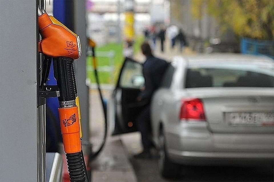 В России скрыто повышают цены на топливо для корпоративных клиентов