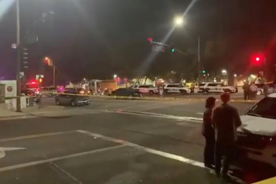 Полиция не исключает версию теракта при стрельбе в баре в Калифорнии