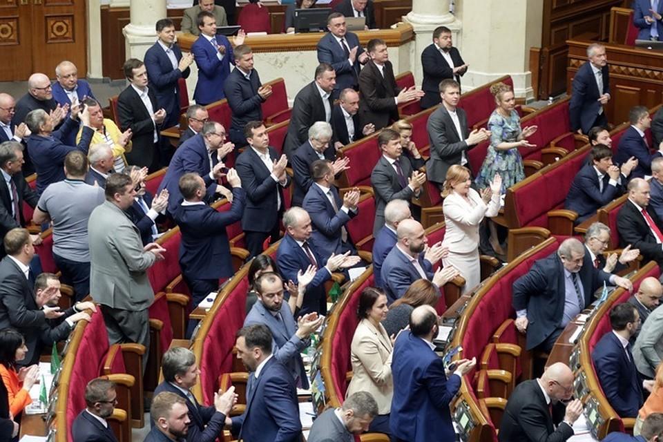 07:50Депутат Верховной рады предложил запретить на Украине зиму