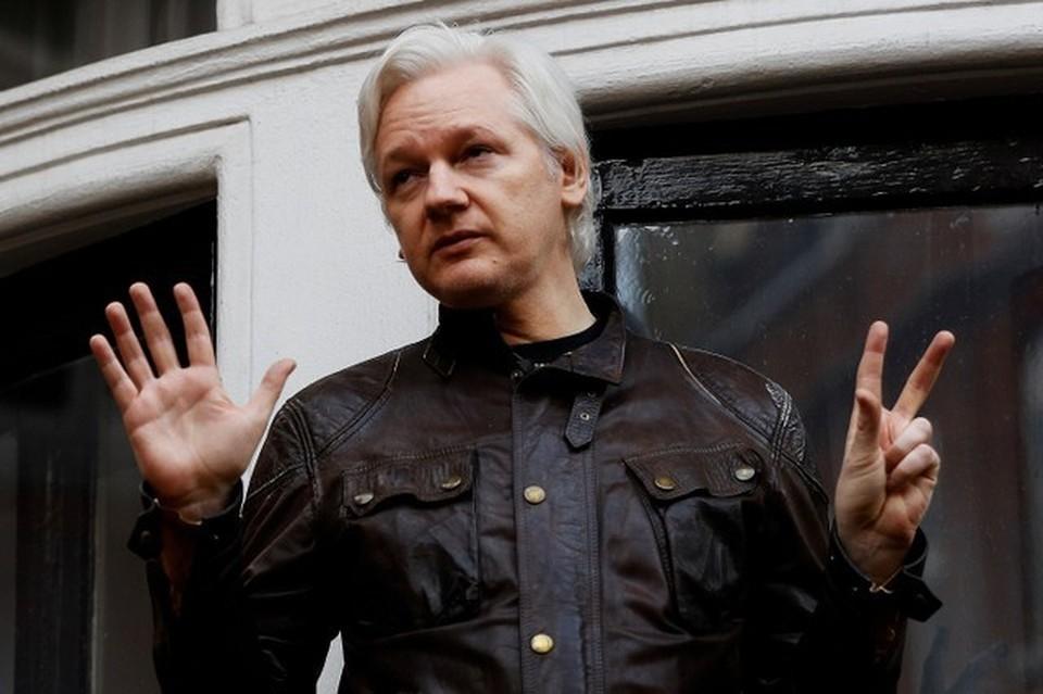 Джулиан Ассанж уже несколько лет живет на территории посольства Эквадора в Лондоне под защитой эквадорских властей