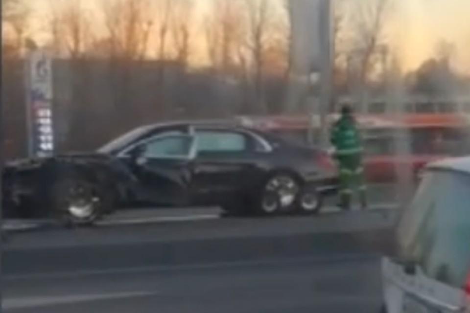 Движение в районе аварии серьезно ограничено