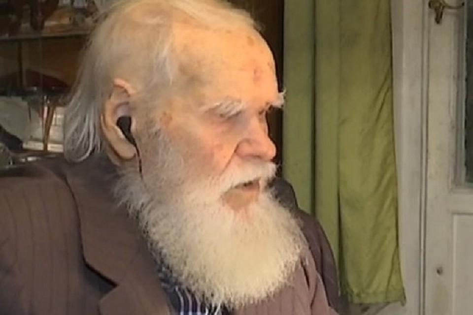 Мужчина рассказал, что квартиру на Хабаровской улице у него отняли из-за долгов внука. Фото: tvzvezda.ru