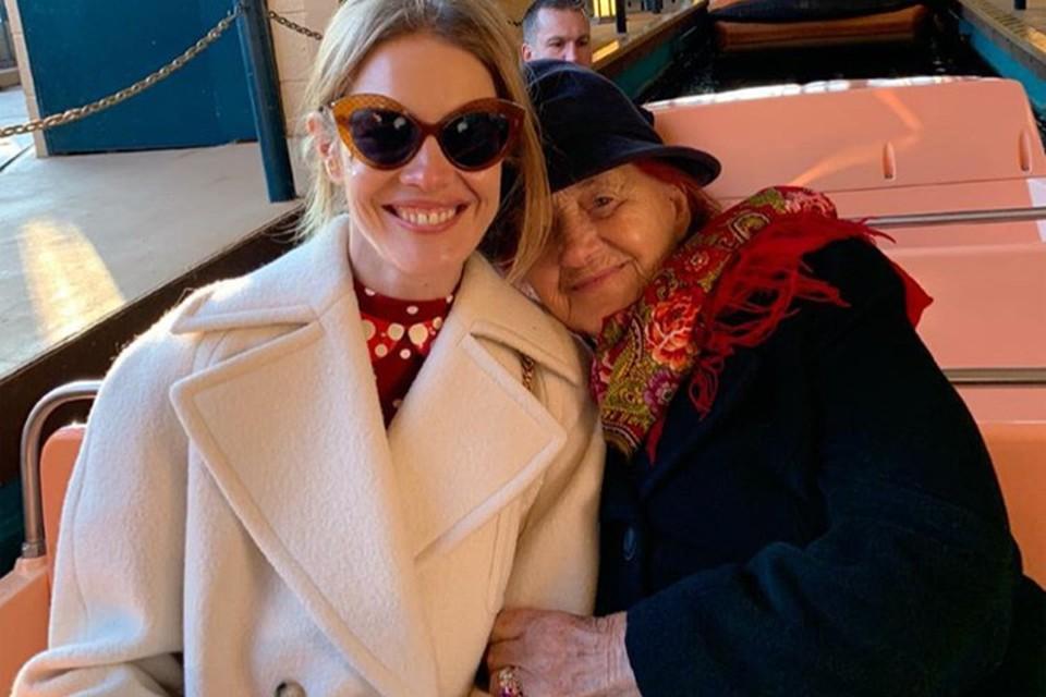 В Париже бабушка Водяновой отметила свое 89-летие.