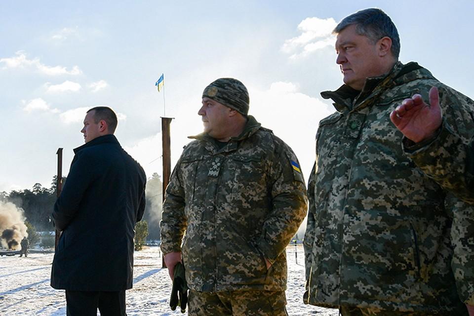 Приглашая военную базу США, Порошенко, кажется забыл, что разоблачает этим свою же дешевую брехню о том, что «украинская армия самая сильная в Европе»