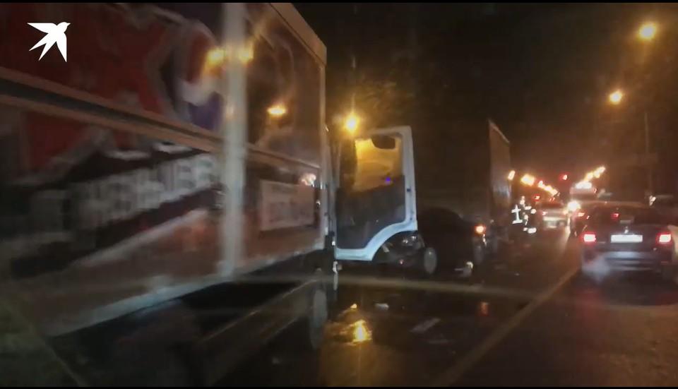 Авария произошла возле поворота на деревню Ельня Фото: кадр из видео
