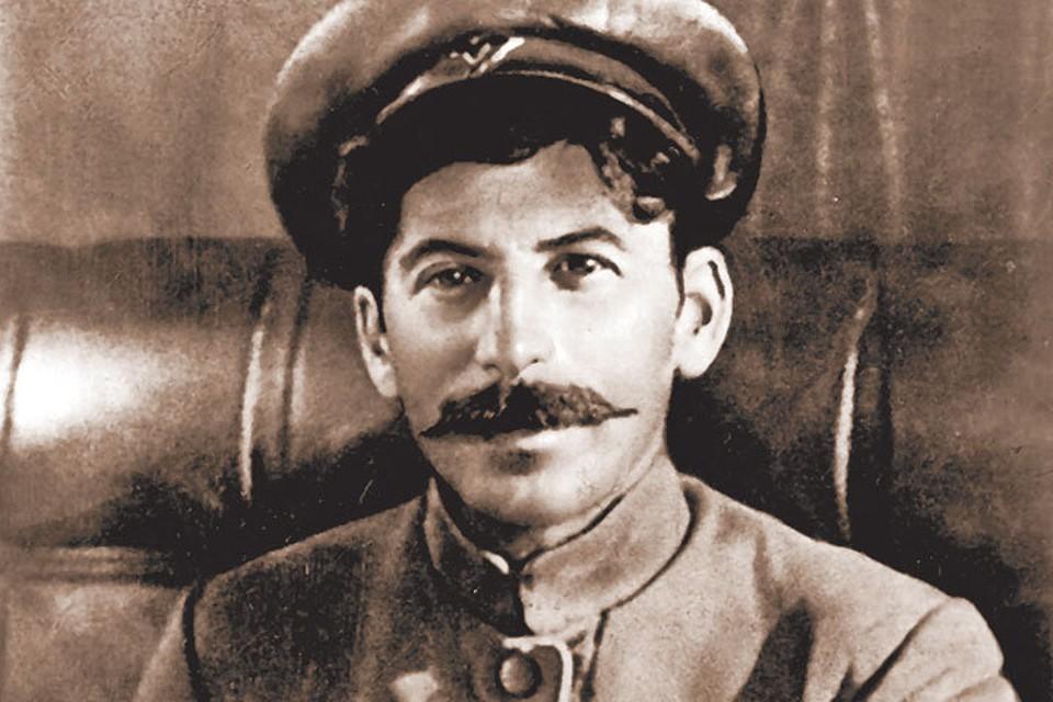 Ленин называл Сталина (правда, к концу жизни он переменил свое мнение) «чудесным грузином». Вероятно, все-таки было что-то такое в Кобе? Фото из книги.