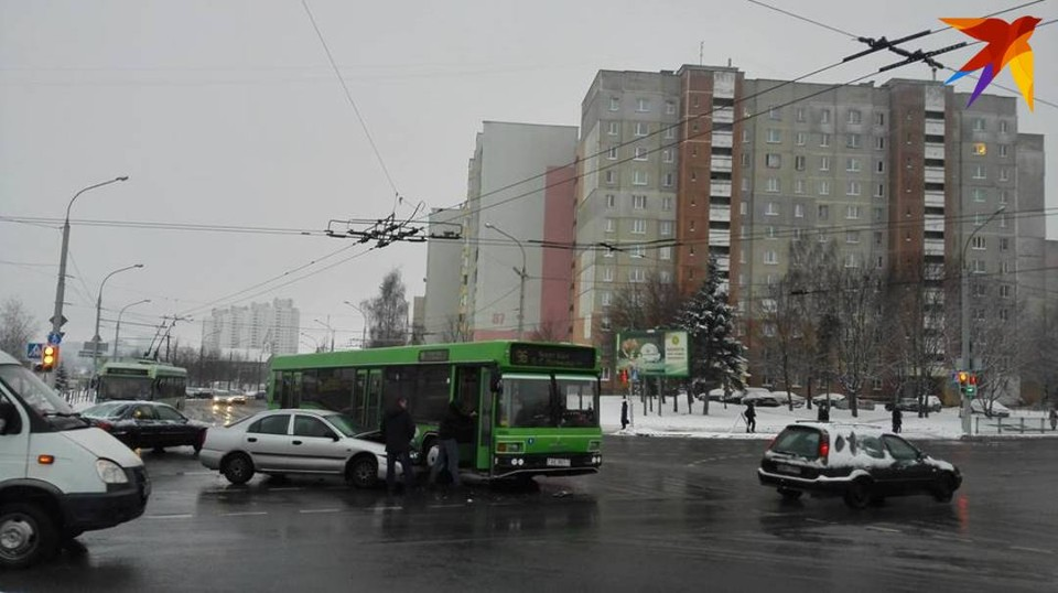 Авария произошла на пересечении улиц Рафиева и Есенина.