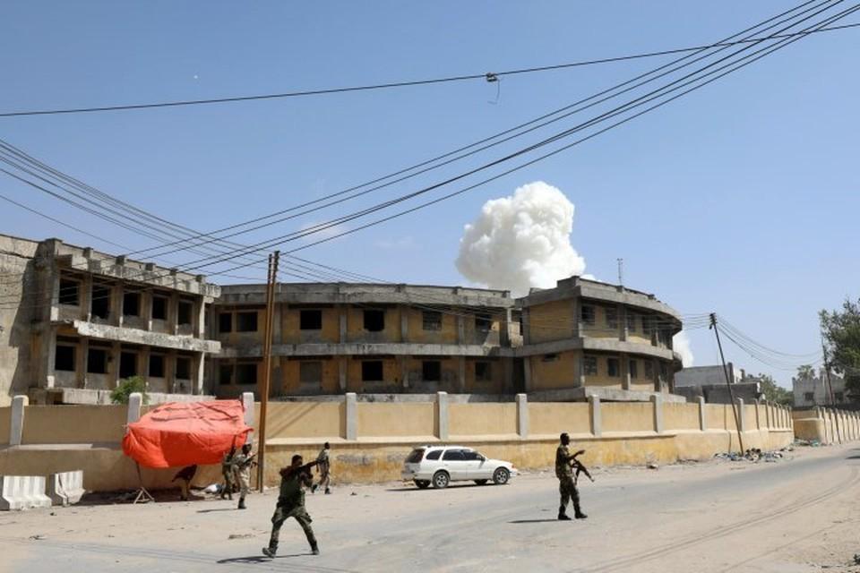 Неподалеку от президентского дворца в Могадишо прогремели два взрыва