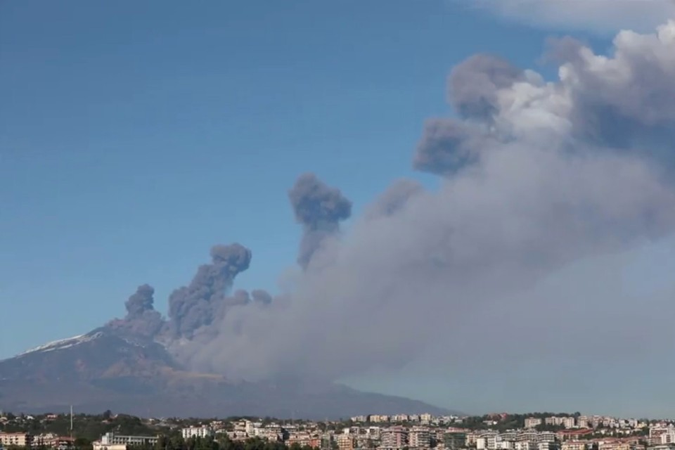 Из-за землетрясения активизировался вулкан Этна