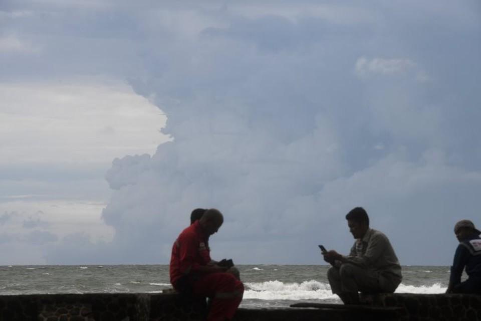 На Бали повысили уровень опасности из-за извержения вулкана