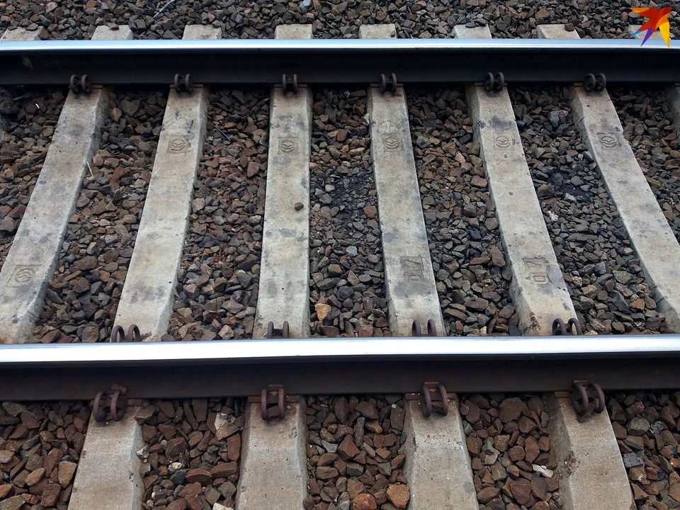 Беспечность на железной дороге приводит к серьезным последствиям.