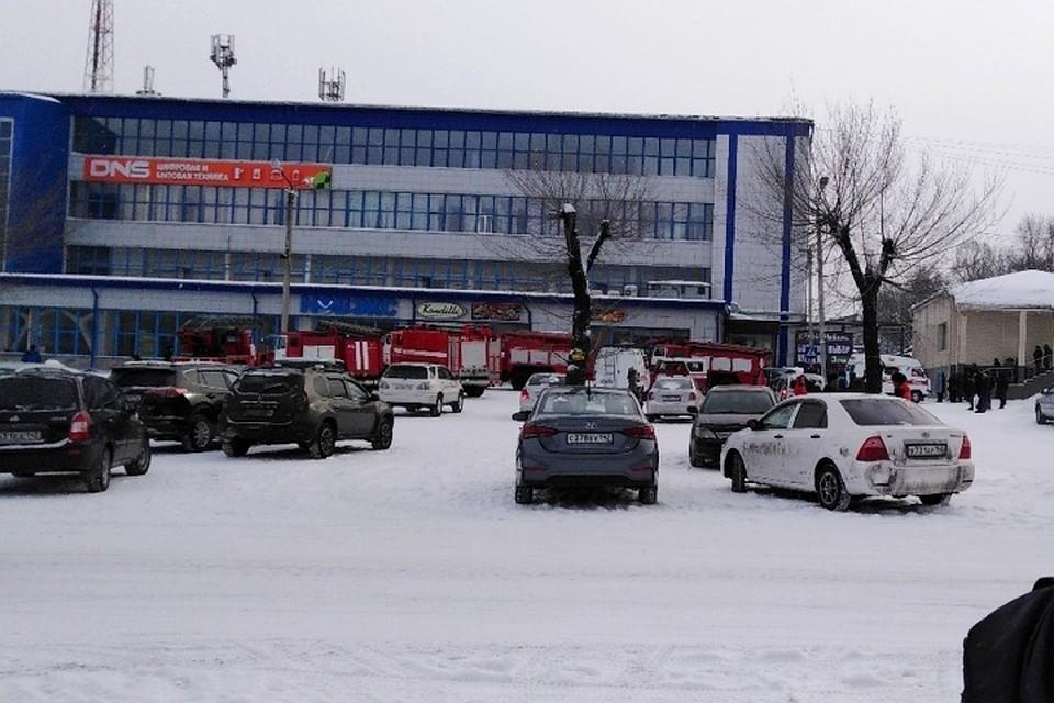 В Киселевске из-за пожара эвакуирован торговый центр bf41d8ec198
