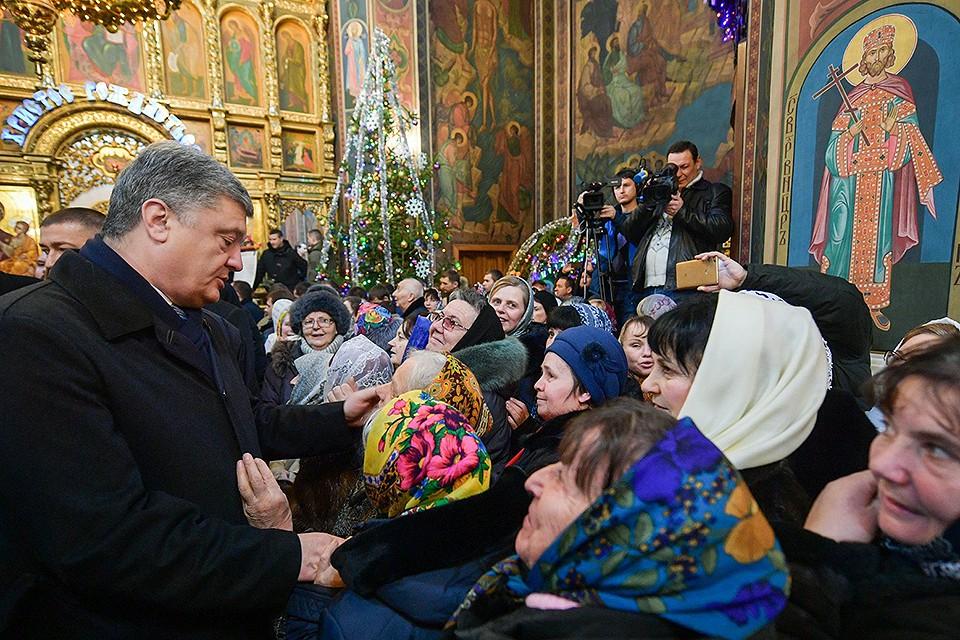 13 января 2019 года, Петр Порошенко в главном православном храме Винницы. Фото: Facebook / Петр Порошенко