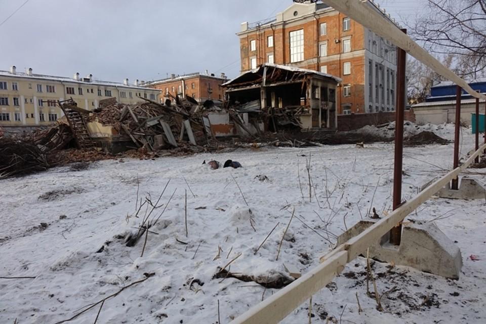 В Новокузнецке снесли здание детсада №1.