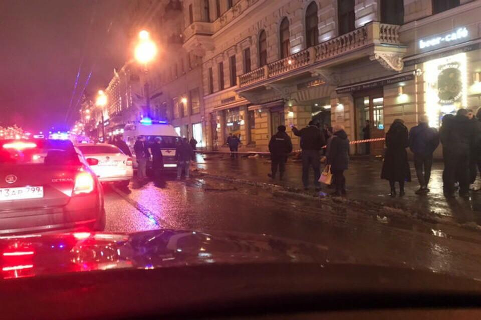 """Авария на Невском проспекте произошла в ночь на 24 февраля. Фото: группа """"ДТП и ЧП""""."""