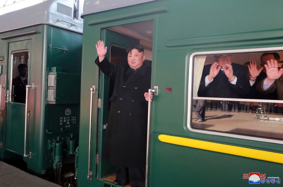 Ким Чен Ын на своем бронепоезде