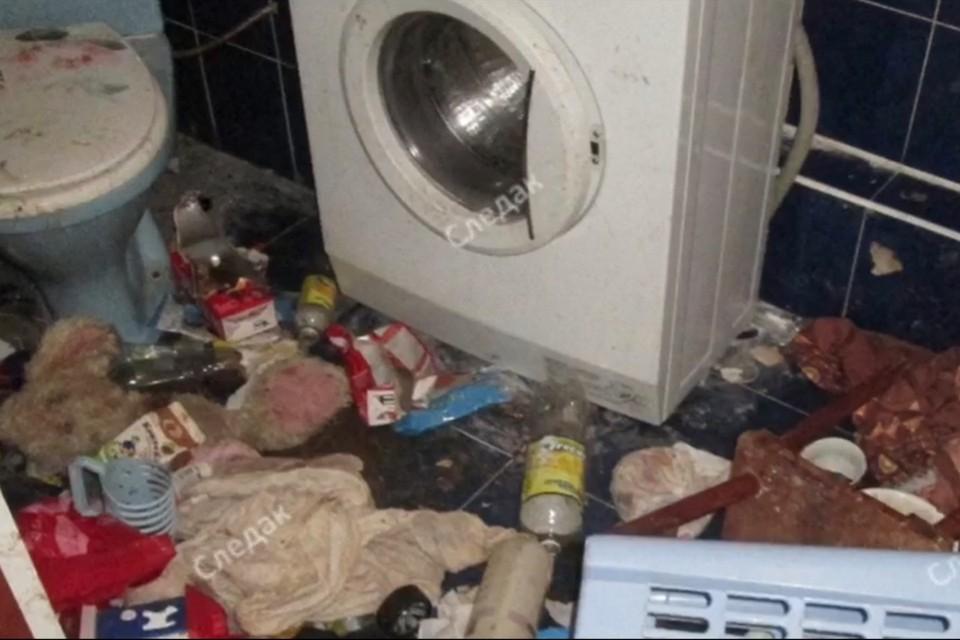 На снимках видно, что семья жила в антисанитарных условиях. Фото: Интернет-ресурс «Следак шепнул» @sledak_shepnul
