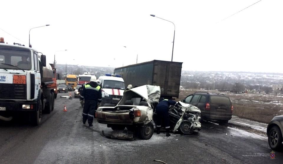 Уфа авария в благовещенске видео байкер попал под большегруз