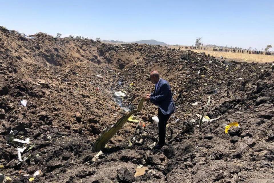 Первое фото с места авиакатастрофы опубликовала Ethiopian Airlines