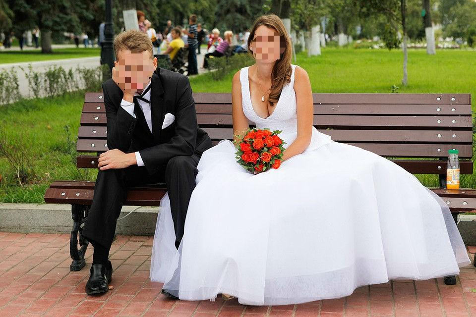 Накануне свадьбы жених обокрал свою невесту. На фото - другая пара.