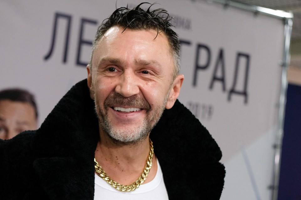 Шнуров ответил Гришковцу