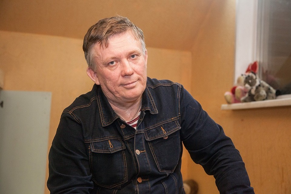 49-летний Ростислав обещает ценить и баловать свою избранницу.