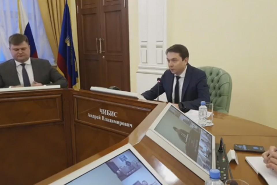 Андрей Чибис попросил коллег работать конструктивно, а не заниматься подковерной борьбой. Фото: gov-murman.ru