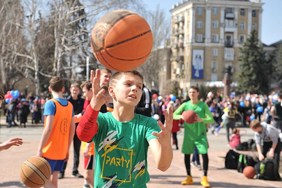 В Донецке сегодня прошел фестиваль уличных видов спорта