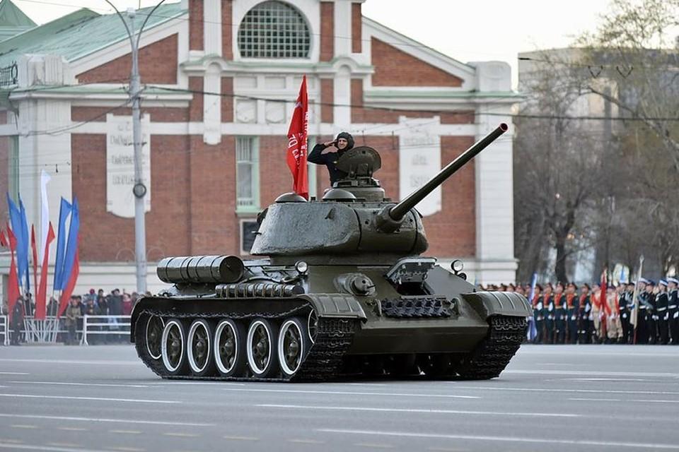 Легендарный Т-34 откроет движение военной техники.