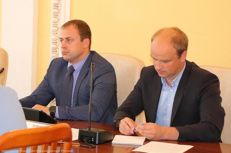 На фото Сергей Пашкевич слева.