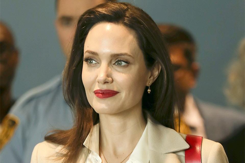 Актриса Анджелина Джоли.