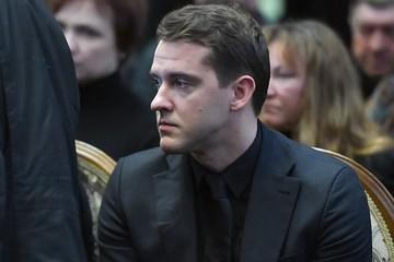 Внебрачный красавец-сын появился на похоронах Булдакова