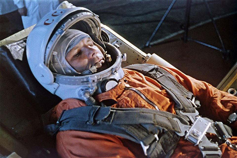 В 9 часов 7 минут 12 апреля 1961 года Гагарин крикнул: «Поехали!» Так начался период орбитальных полетов человека на космических летательных аппаратах.
