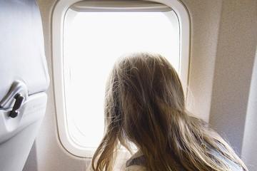 Места у окна в самолете втрое популярнее, чем у прохода