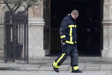 Почему так долго тушили собор Парижской Богоматери