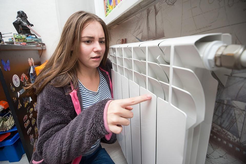 В домах нет отопления и горячей воды. Фото: Валерий ЗВОНАРЕВ.