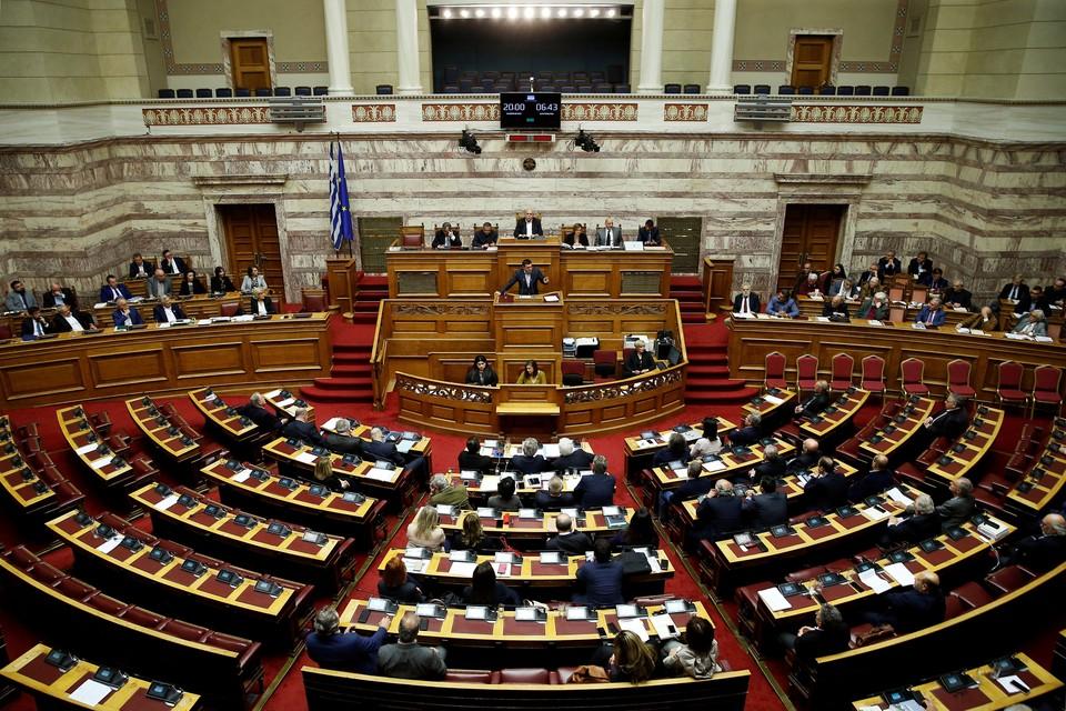 Парламент Греции одобрил решение выдвинуть ФРГ требования о возмещении ущерба за оккупацию