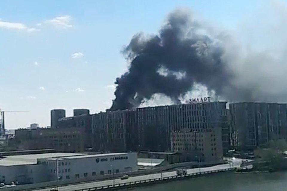 В Москве загорелся жилой комплекс ЗИЛАРТ
