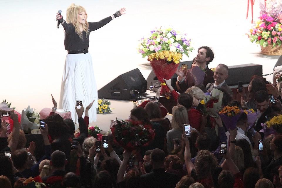 Алла Пугачева на сцене юбилейного концерта в Кремле. Фото Дмитрий Петровский/Тайны звезд