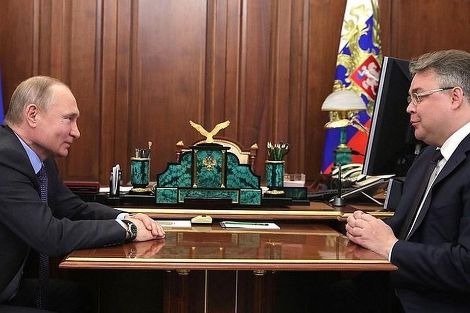 Владимир Путин и Владимир Владимиров на встрече в Кремле. Фото: Алексей Дружинин/пресс-служба президента РФ/ТАСС.