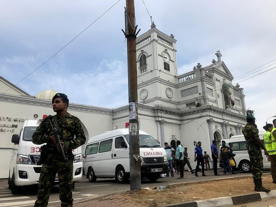 Со вторника на Шри-Ланки введут режим ЧП по всей стране в связи с серией взрывов