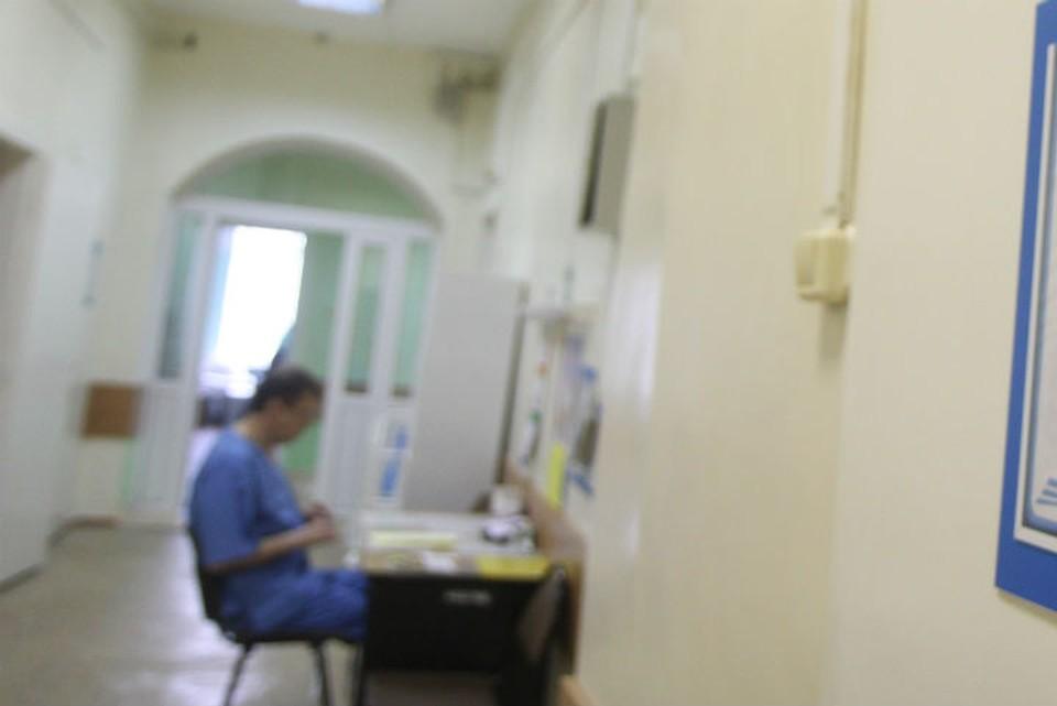 Пенсионер покончил с собой в туалете иркутской поликлиники