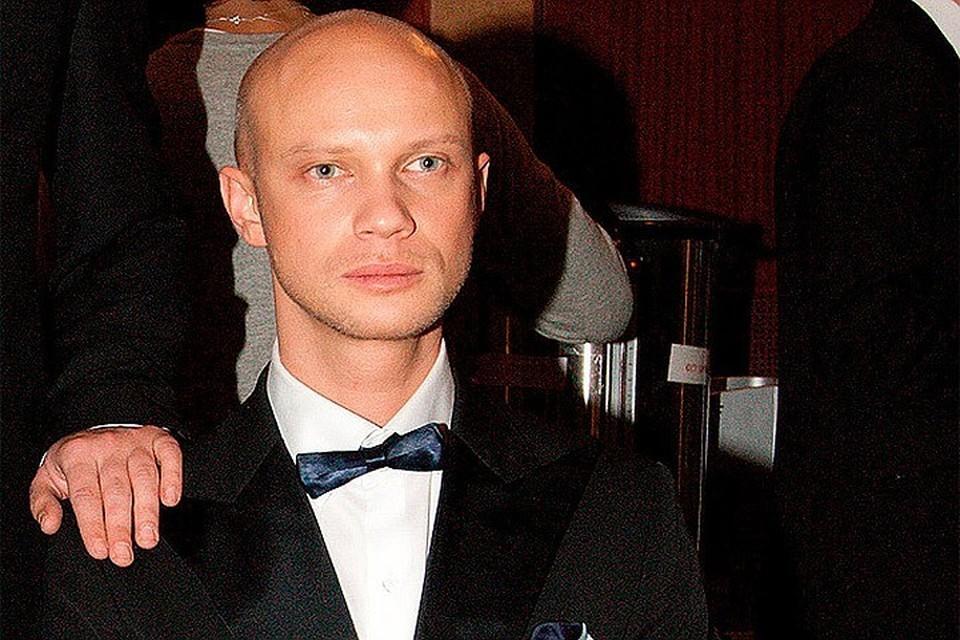 Дмитрий Хрусталев теперь ездит на работу на такси.